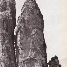 Preuss Turm an den 3 Zinnen mit eingezeichneter Aufstiegslinie von Paul Preuss